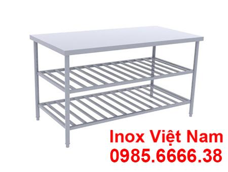 ban-inox-3-tang-co-ke-duoi